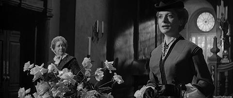 Miss Giddens' (Deborah Kerr) entry into Bly