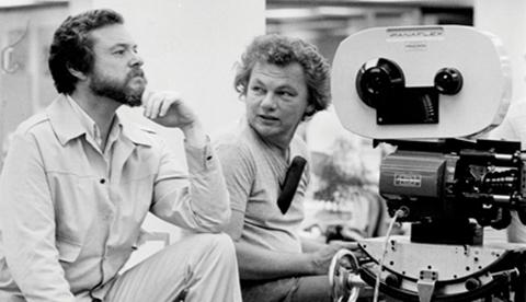 Willis with director Alan J. Pakula.