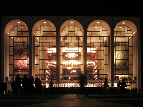7. Metropolitan_Opera_House_At_Lincoln_Center_2