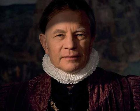 Michael York as Bruegel's patron