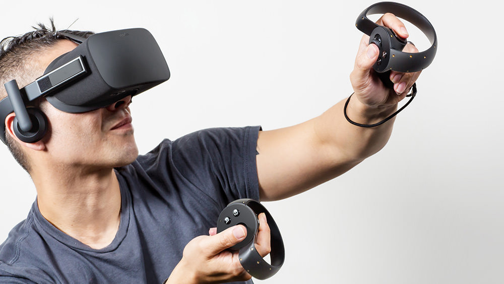 Consumer-Oculus-Rift-with-Oculus-Touch-thefilmbook
