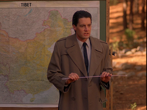 Agent Cooper (Kyle MacLachlan) delivers a memorable lesson in a scene from TWIN PEAKS.