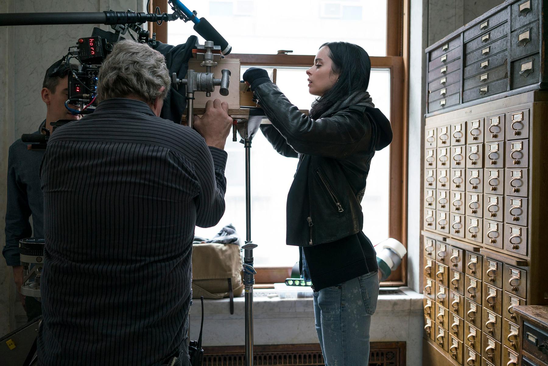 Angling in on superhero Jessica Jones (Krysten Ritter).