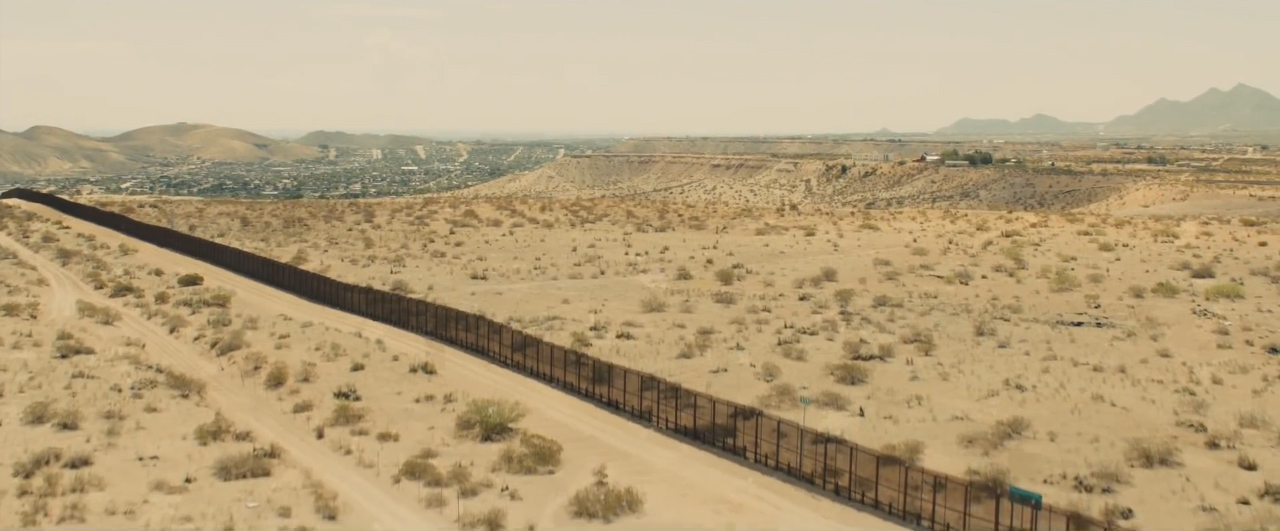 Sicario trailer US-Mexico border fence from trailer