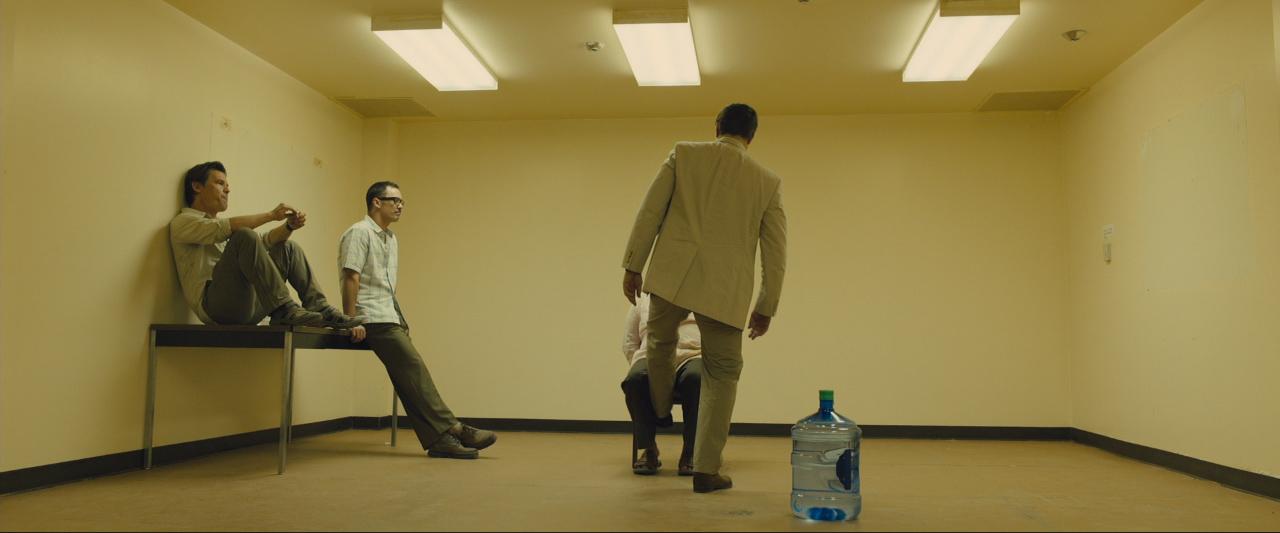 Sicario trailer interrogation room