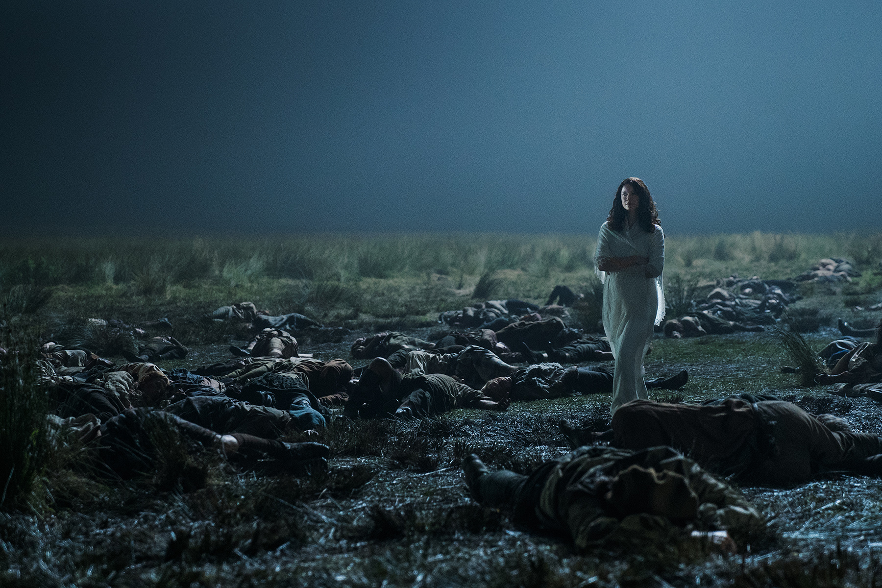 As Jamie clings to life on the moor, he imagines his wife, Claire Randall Fraser (Caitriona Balfe), coming toward him in the moonlight.