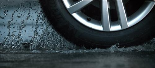 thefilmbook-ultrahighspeed2-daubeach-water-tire