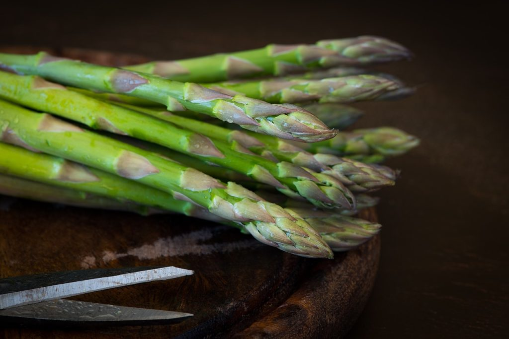 Asparagus on the keto diet.