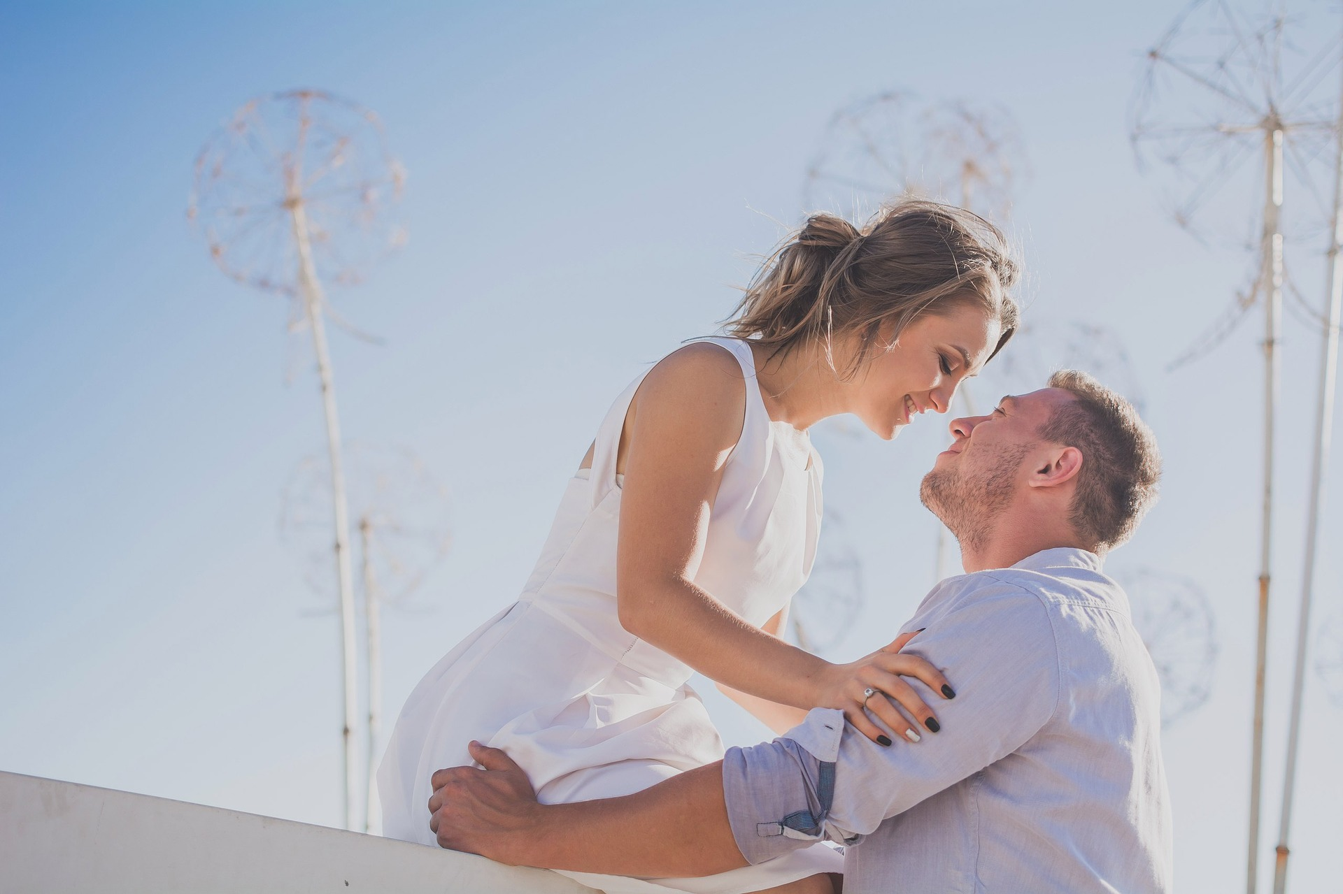 8 Differences Between True Love and Fake Love