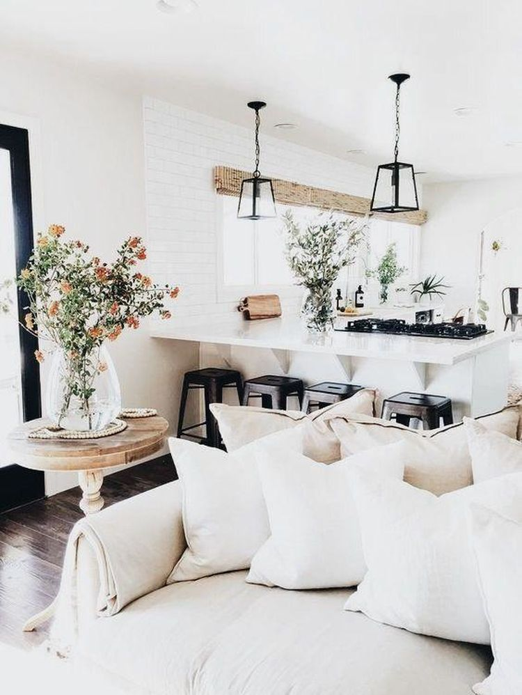 10 home d cor pieces every cool girl should have at home for Home decoration pieces