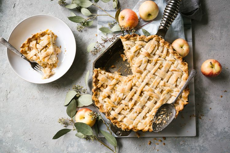 Buttermilk Skillet Apple Pie