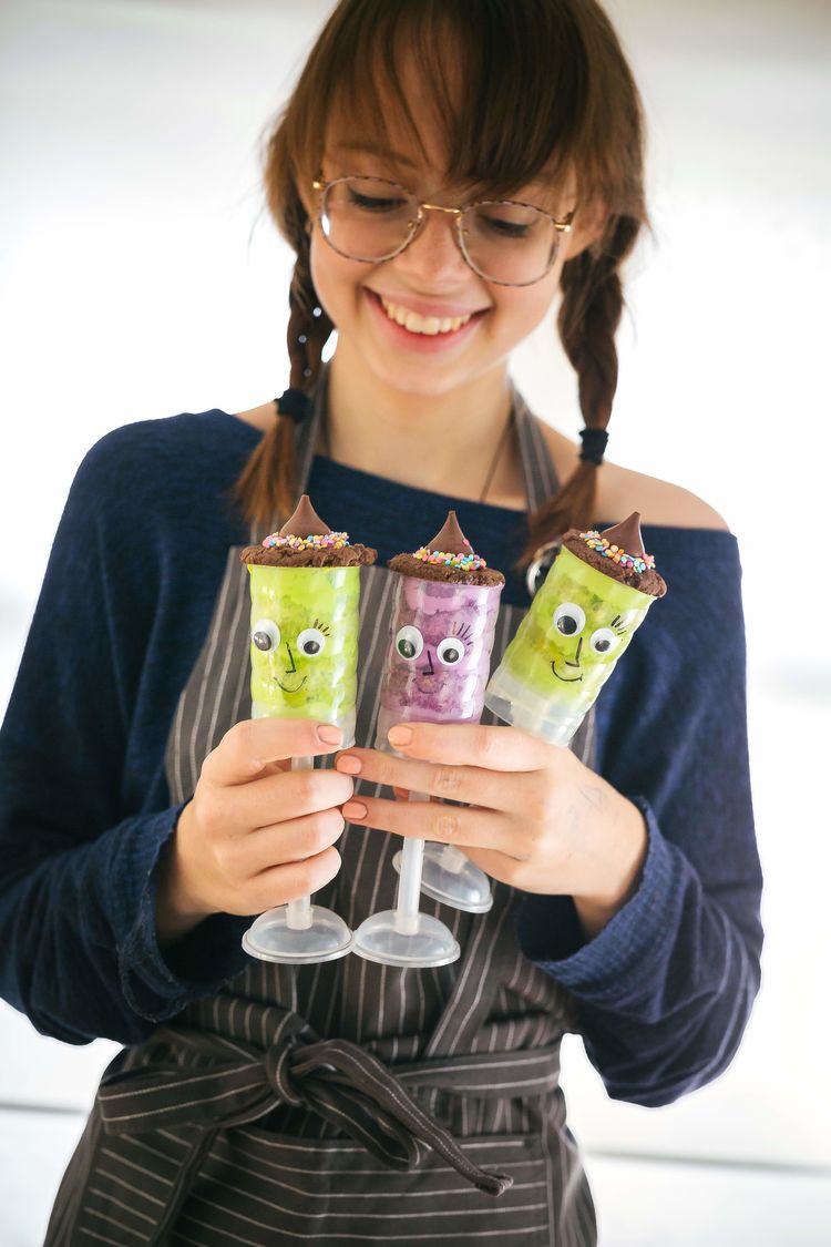 2017 10 16 Halloween Push Pops 2 Bakelicious Witch 5Resize