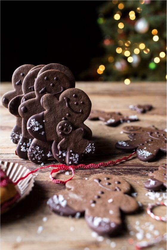 Chocolate-Dipped-Gingerbread-Cookies-with-Vanilla-Salt-6resize