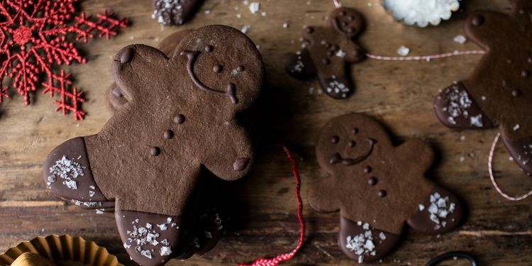 Chocolate Dipped Gingerbread Cookies with Vanilla Salt