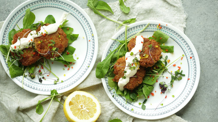 Crab Cakes with Lemon-Garlic Aioli