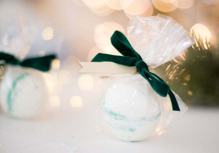 These Easy Homemade Bath Bombs Make Great Stocking Stuffers