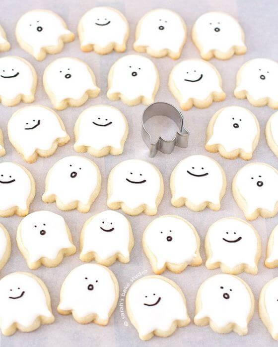 Happy Little Ghost Sugar Cookies 02 C Sm