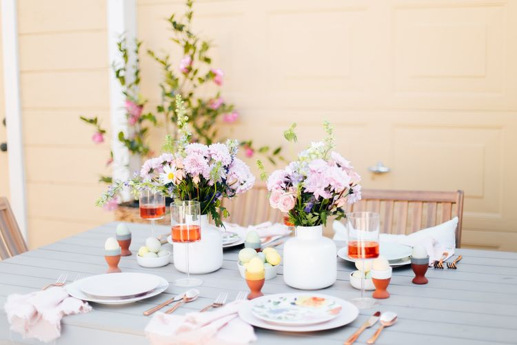 A Gorgeous Pastel Tablescape Perfect for All of Your Spring Gatherings