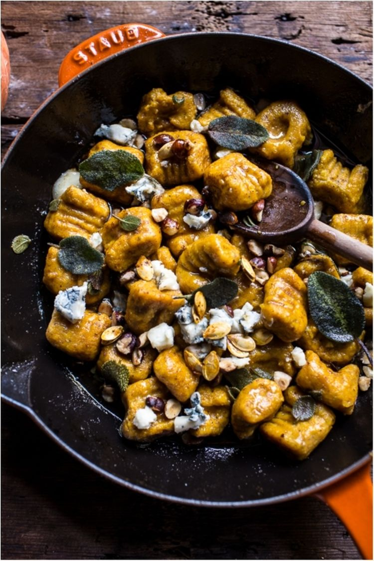 Pumpkin-Gnocchi-with-Balsamic-Sage-and-Blue-Cheese-Sauce-4