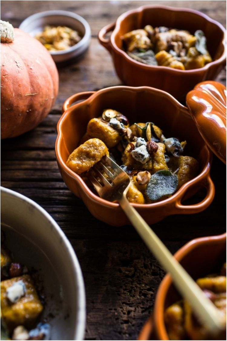 Pumpkin-Gnocchi-with-Balsamic-Sage-and-Blue-Cheese-Sauce-8