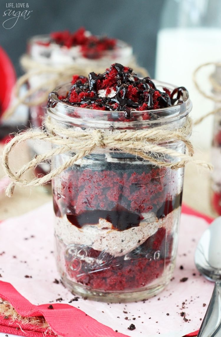 Red Velvet Oreo Trifle In A Jar3