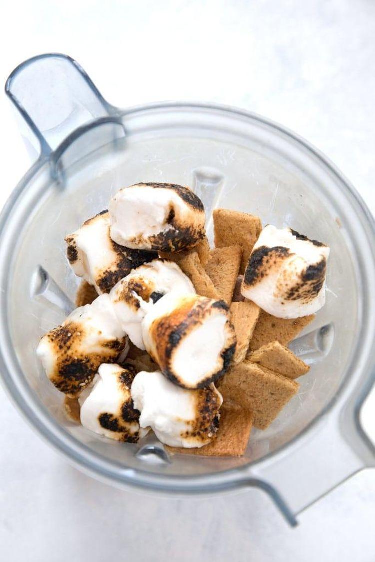 Smores Milkshake Toasted Marshmallows Blender 2