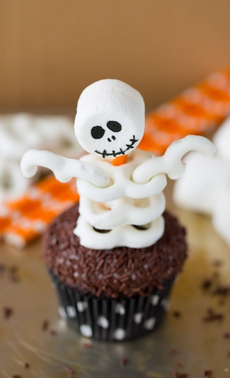Spooky Skeleton Cupcake 595X1024