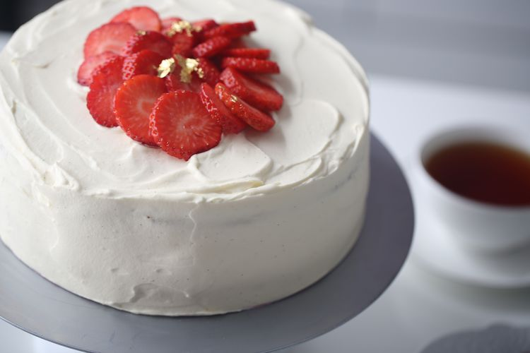 Strawberry Meringue Cake Recipe