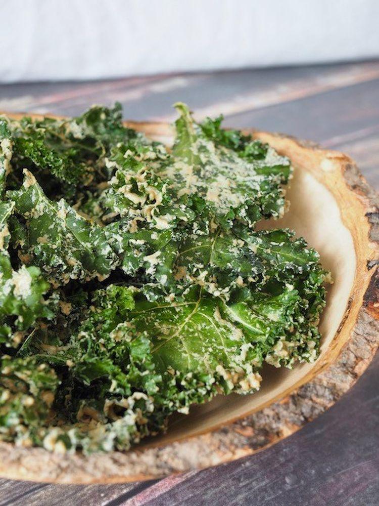 Tahini Garlic Kale Chips Side Bowl