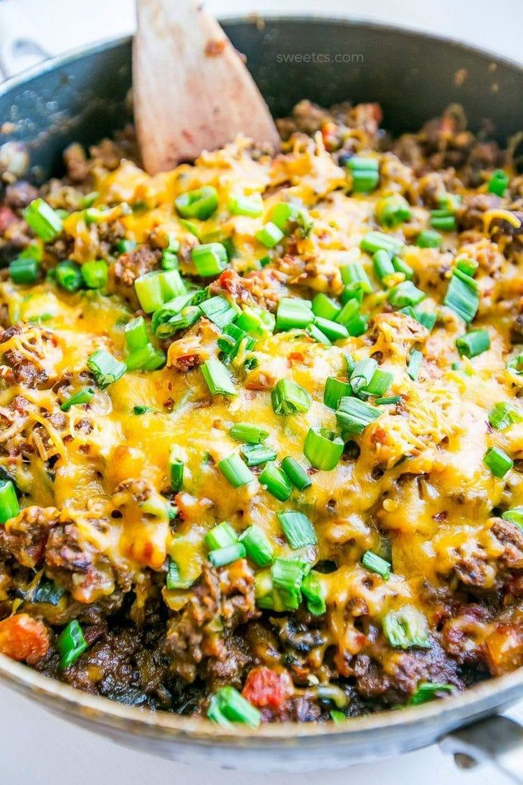 This Low Carb Cheesy Taco Skillet Is Our Favorite Family Dinner