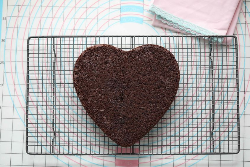 Valentienes Day Chocolate Mousse Cake 4