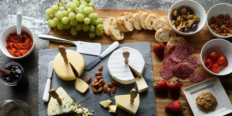 How to Build the Perfect Cheese Board