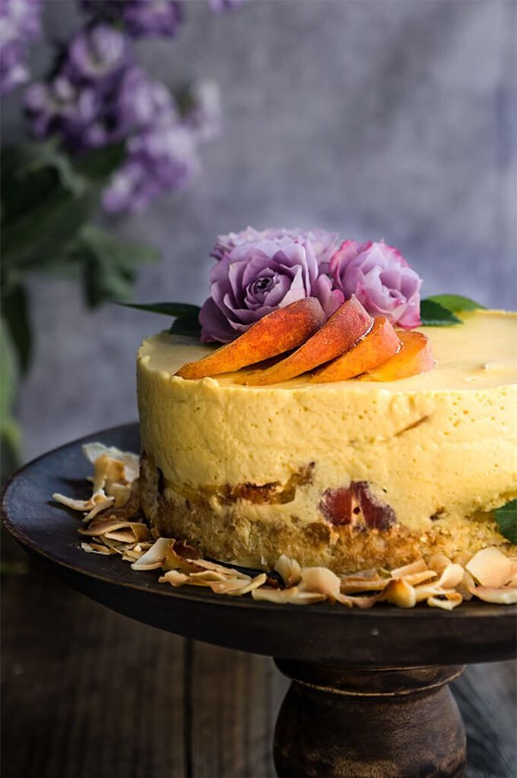 Coconut Macaroon Peach Panna Cotta Cake 002