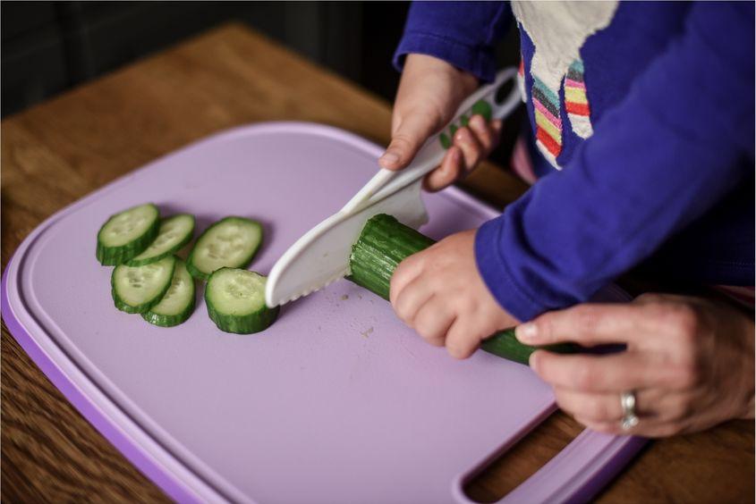 cucumber shoot1