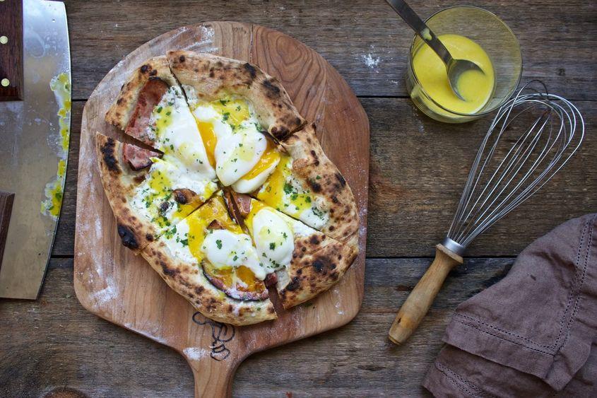 Eggsbenedictpizza