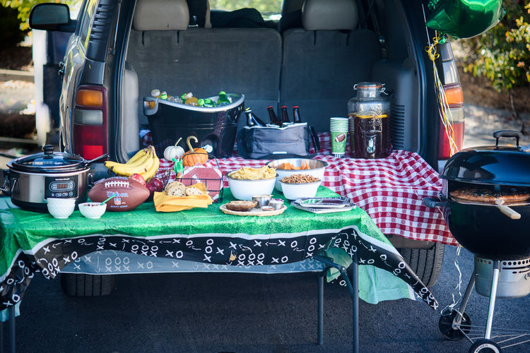 18 Recipes to Make Your Tailgate a Total Hit