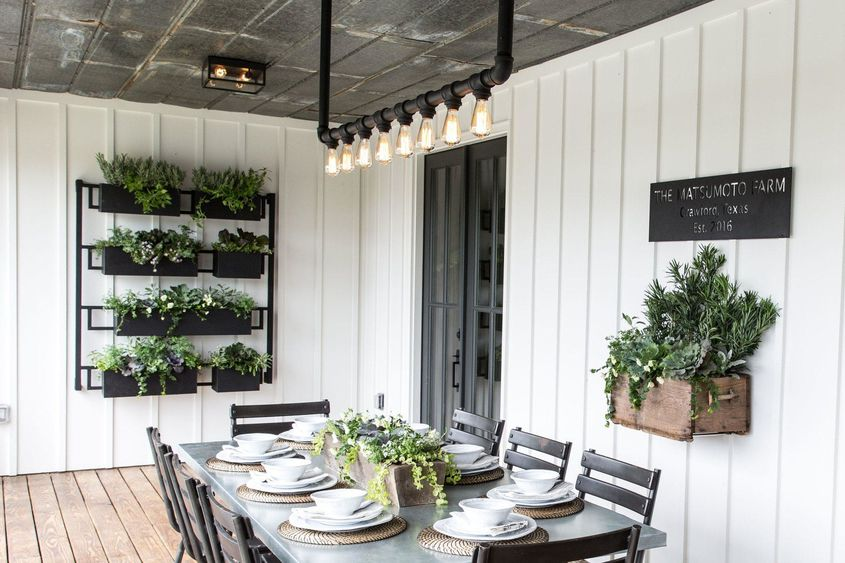 How to decorate your home 39 fixer upper 39 style like joanna for Joanna gaines home designs