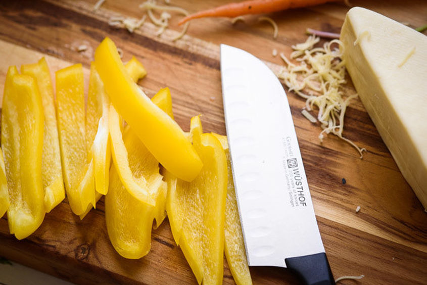 knife-cutting-veggies