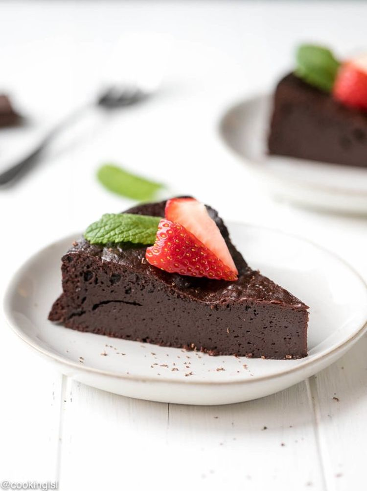 Low Carb Keto Flourless Chocolate Torte 4 1 660X882