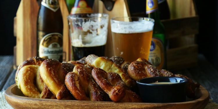 Oktoberfest Homemade Pretzels Amp German Beer Cheese Sauce