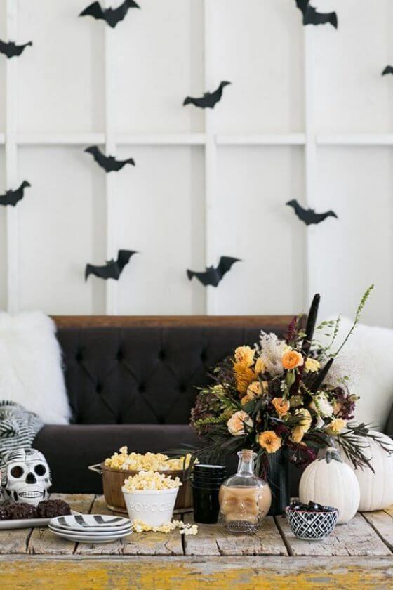 Set A Slightly Spooky Halloween Dinner Party 8