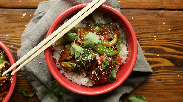30 Minute Beef Stir Fry with Vegetables and Rice