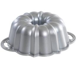 Featured Product Platinum Collection Original 6-Cup Bundt Pan
