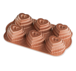 Featured Product Tiered Heart Cakelet Pan