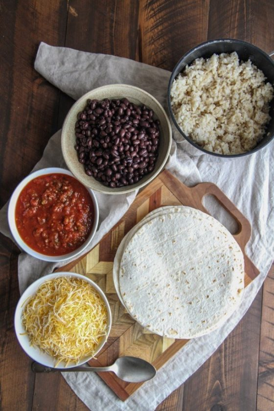5 Ingredient Black Bean Freezer Burritos 1 610X915