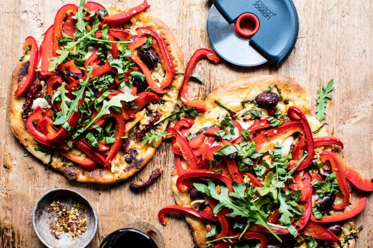 Loaded Veggie Naan Pizza Recipe