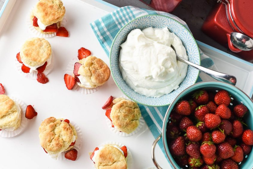 Strawberry Shortcake Sliders Perfect for Summer Picnics ...