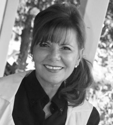 Deborah Shearer image