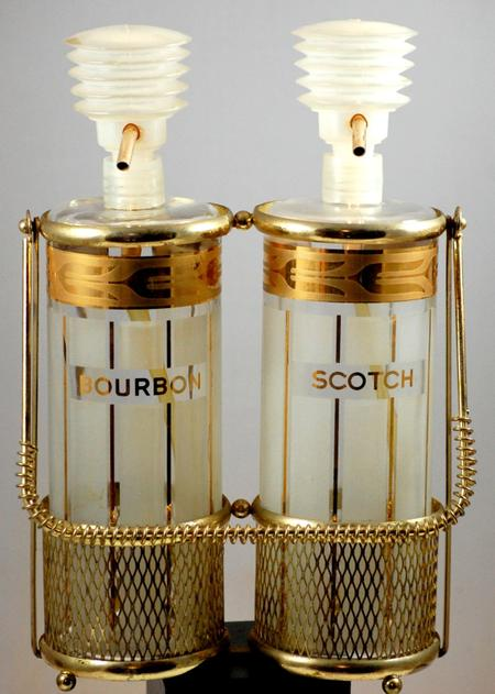 Double Decanter With Pump And Caddy