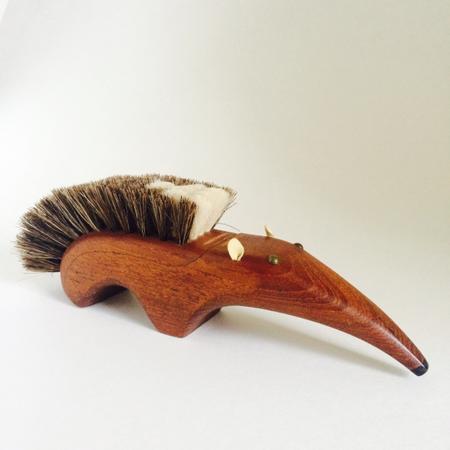 Teak Aardvark Scrub Brush